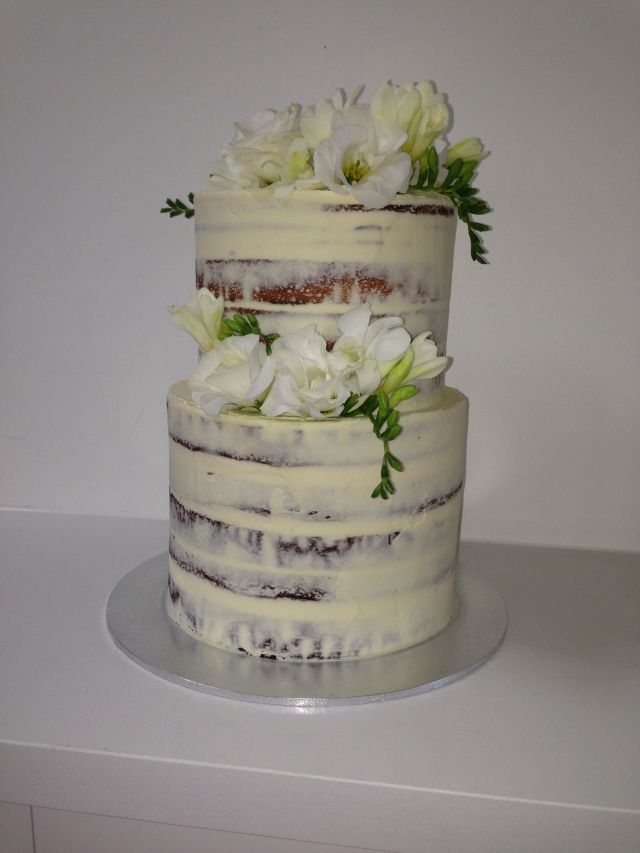 We Certainly Made The Right Choice In Selecting Bill From Sweet Connoisseur To Make Our Recent Engagement Cake I Sent A Few Photos Of Cakes Liked